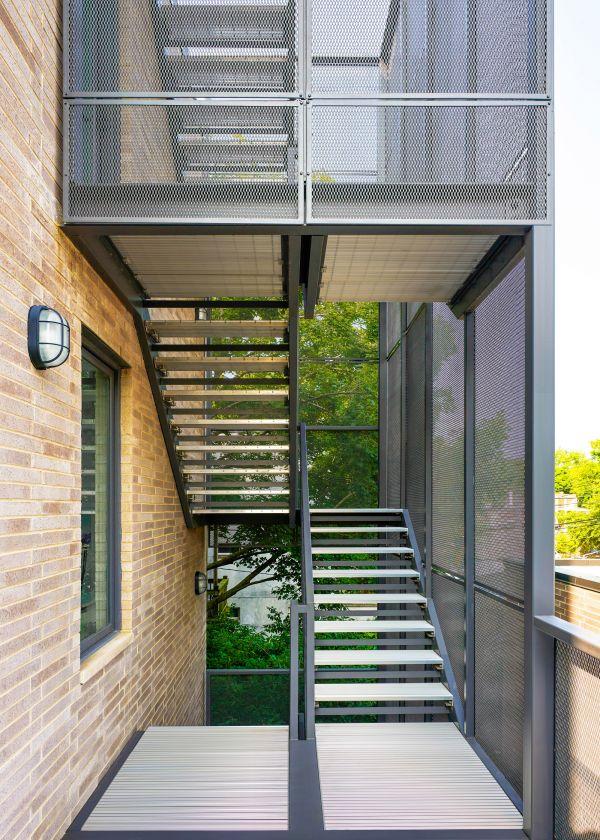 North facade common stair © Mike Schwartz