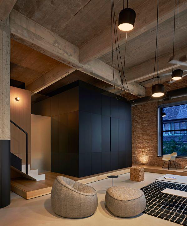 Living Room at Dusk © Mike Schwartz